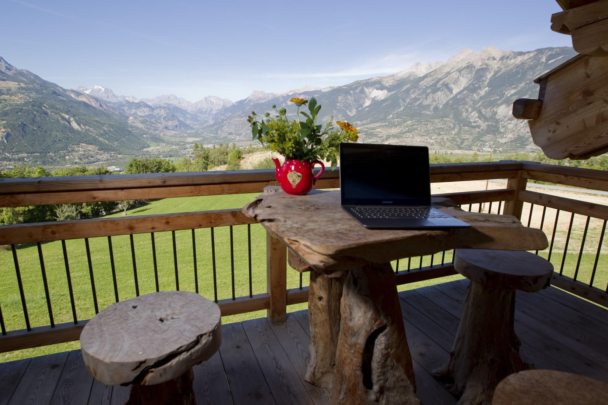 Terrasse superbe vue - Chalet de montagne familial à louer à Risoul Vars Alpes du sud